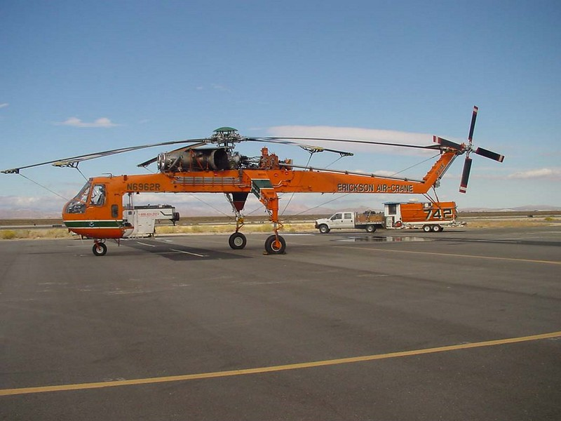 Sikorsky S-64E Skycrane 4