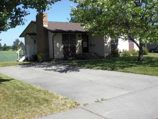 3BR Home In Quiet Neighborhood