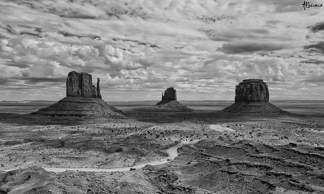 Monument Valley (II)