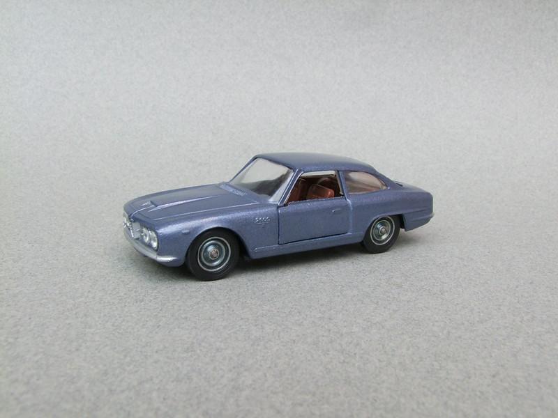 numéro 4 Alfa Romeo 2600 39893547942_8e55bd431f_c