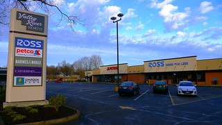 Valley River North Shopping Center in Eugene, Oregon | by Only in Oregon