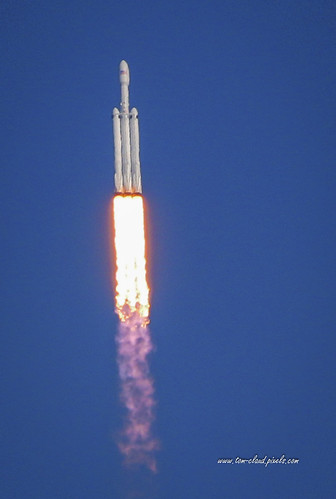 rocket launch liftoff spacex falcon falconheavy tesla starman spaceflight kennedyspacecenter titusville floridausa