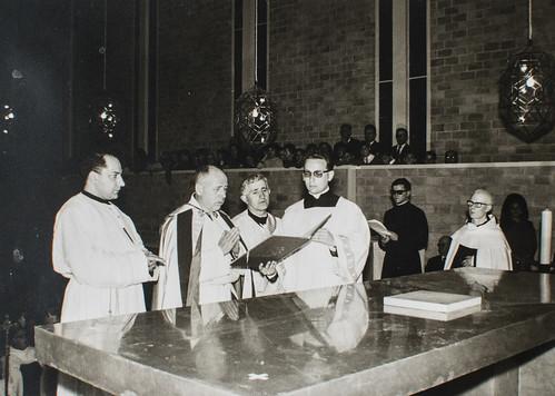 25 de marzo de 1965 - Día de la inauguración [11] - Piedra de Sierra Elvira para el altar del Sacrificio.