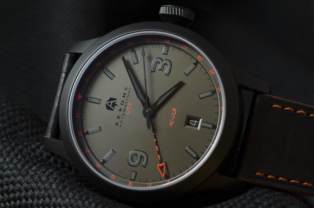 Akrone : des montres, tout simplement 28277784849_39cf6127cc_b