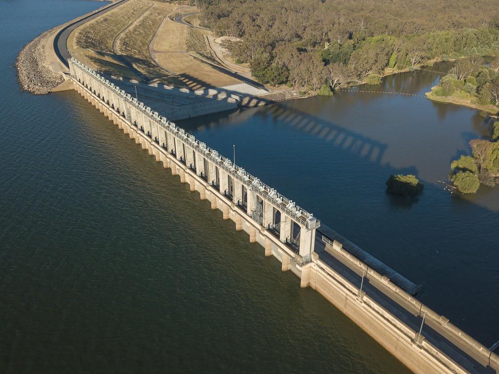 Hume dam Albury/ Wodonga | crispiks | Flickr