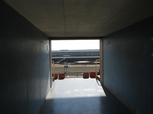 船橋競馬場の屋外席へ