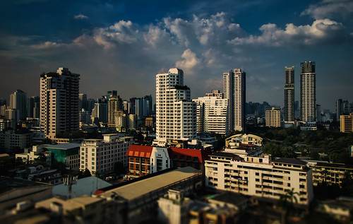 theemquartier khlongtoeidistrict bangkokthailand cityscape urban architecture siam southeastasia landscape skyline downtown tiltshift wideangle goldenhour skyscrapers highrises buildings clouds tamron18270 nikond5100 photoshopbyfehlfarben thanksbinexo