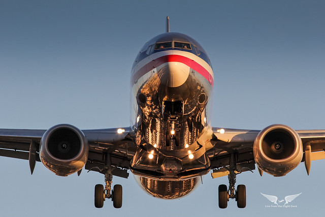 American Airlines 737 at San Diego