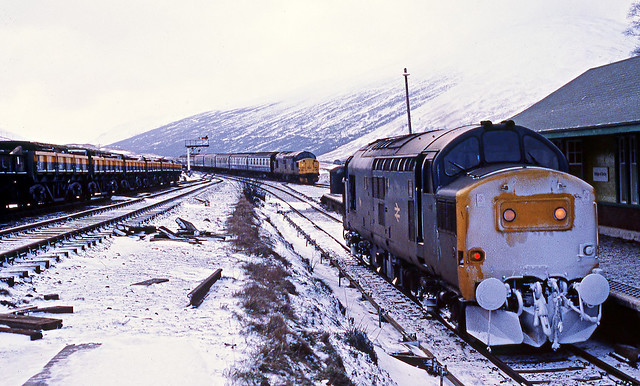 A snowy morning at Bridge of Orchy.