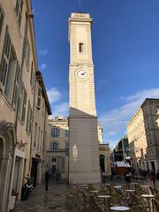 Nîmes: Place de l'Horloge