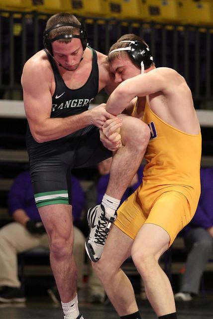 174: #1 Nick Becker (UWP) Dec. over Zach Johnston (MSU) 13-8 | UWP 13 – MSU 12 - 180106amk0113