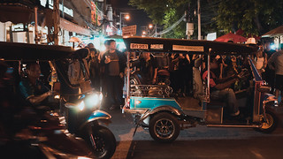 Sunday walking street scenes @ Chiang Mai   by -TNkoh22-