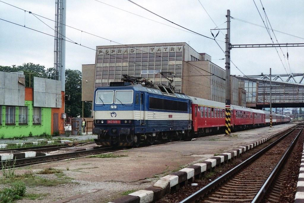 ŽSSK 362 009-3 op station Poprad-Tatry op 1-8-2005 (SCAN)