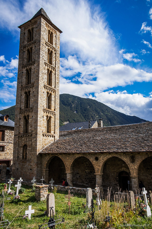 Cementerio e iglesia de Santa Eulàlia d'Erill la Vall