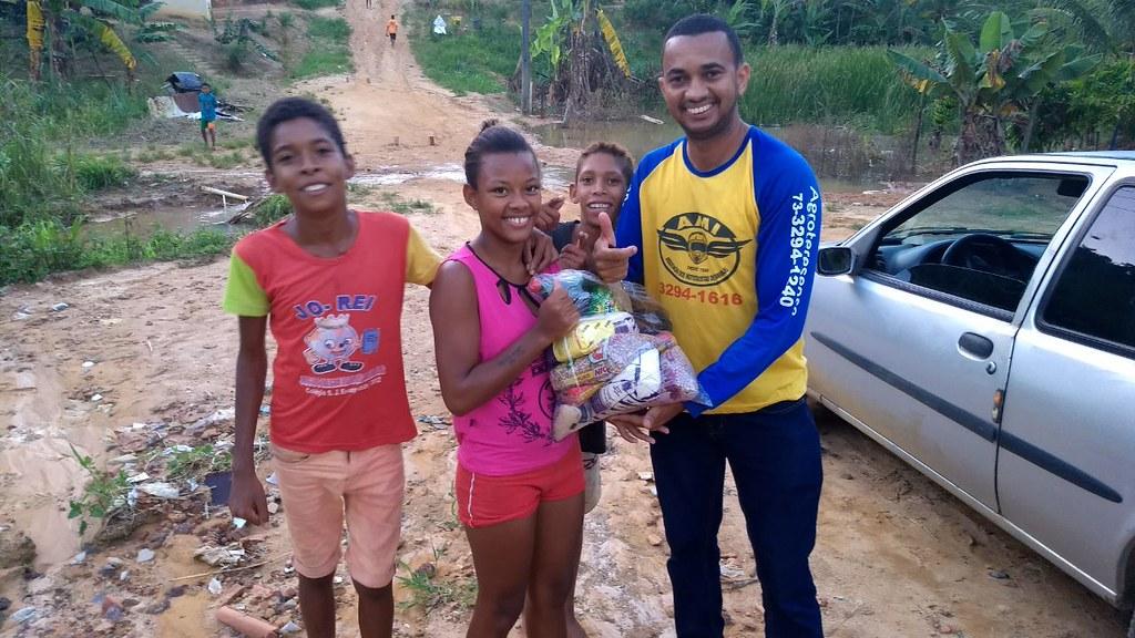 campanha de doação de alimentos dos motaxistas de itamaraju (14)