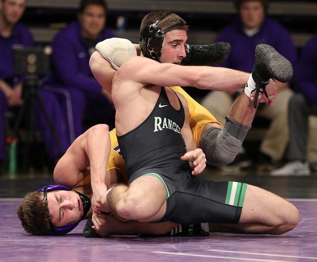 149: Kyle Rathman (MSU) Dec. over #3 Frank Yattoni (UWP) 6-4 | MSU 12 – UWP 3 - 180106amk0083