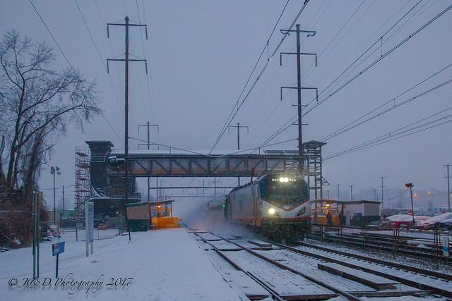 AMTK Northeast Regional Train 94 @ Levittown, PA
