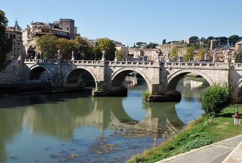2017 roma rome italia italy puente bridge tiber río river agua water patrimoniodelahumanidad worldheritage reflejo reflection europa europeanunion
