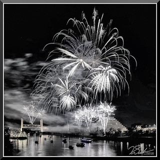 Fireworks_7694BandW