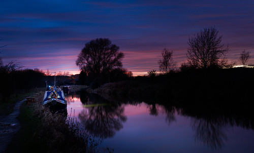 pinksky night canal westberkshire sunset kennetandavoncanal reflections water hungerford dusk