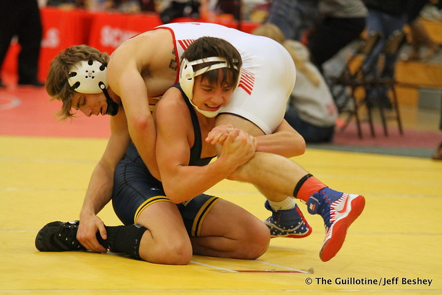 145 1st Place Match - Alex Lloyd (Shakopee) 14-0 won by decision over Curtis LeMair (Prior Lake) 13-1 (Dec 7-3) - 171216CJF0851