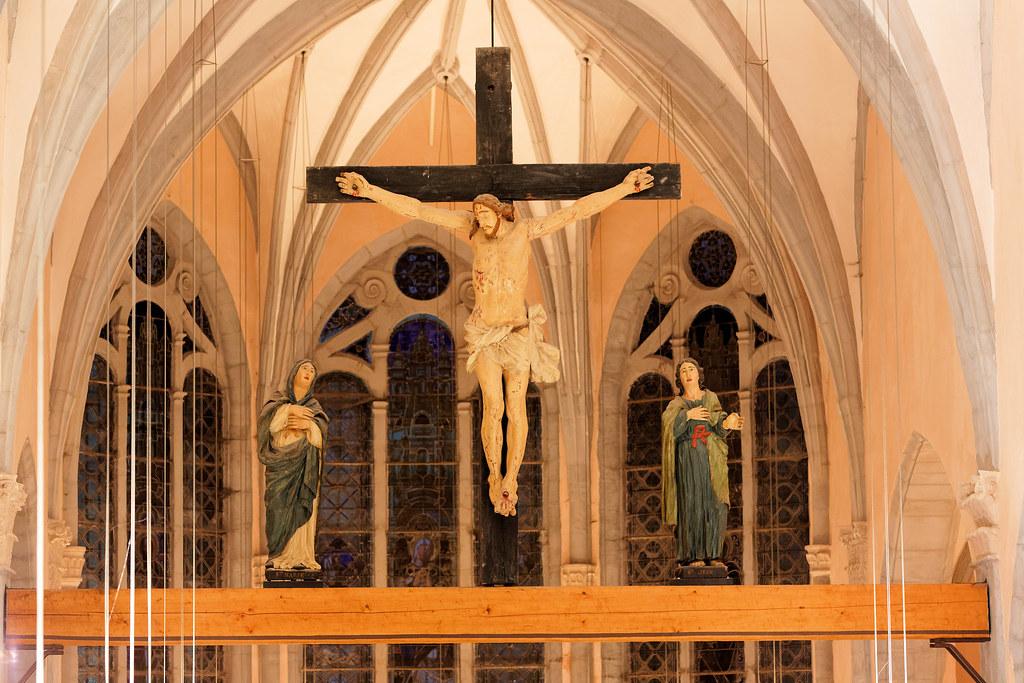 La poutre de gloire de l'église d'Orgelet