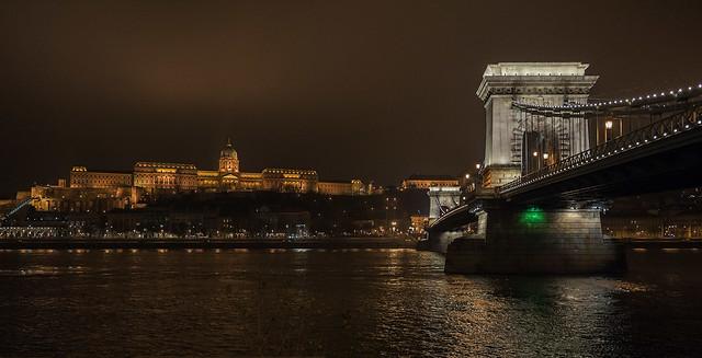 Puente de las Cadenas y Castillo de Buda