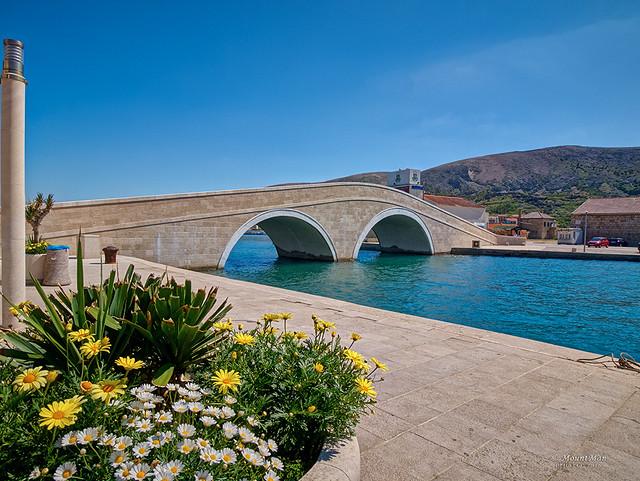 Obnovljeni most u gradu Pagu