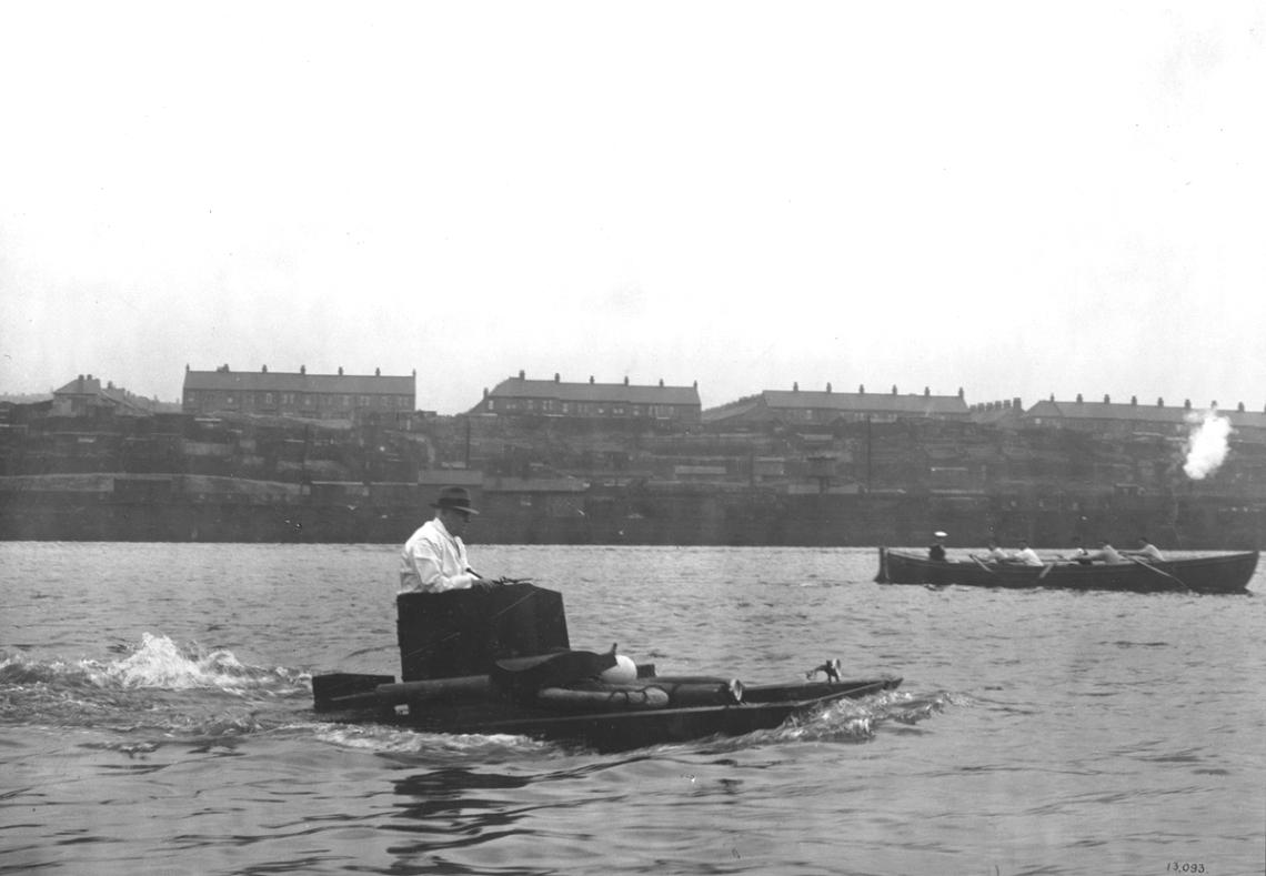 Amphibious Tank on the River Tyne