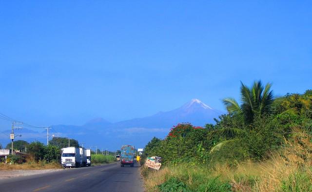 Vista al Citlaltepetl (5610 msnm)  desde Yanga, Ver.