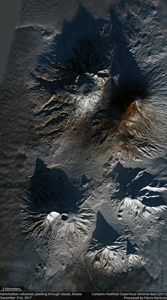 Kamchatkan_volcanoes_31_Dec_S2B_432_crop_10
