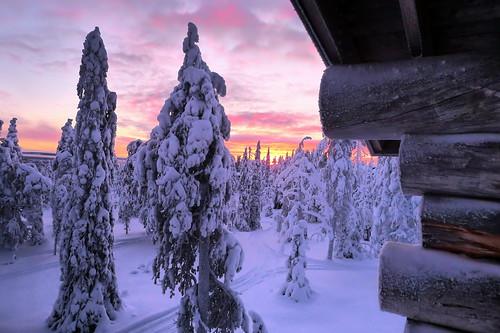 ruka kuusamo lapland finland winter snow logcabin cottage