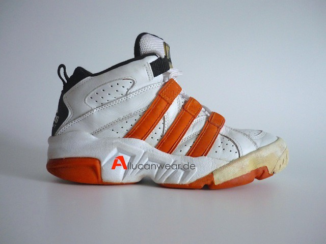 the latest 8c42b 00739 VINTAGE ADIDAS TORSION EQUIPMENT BASKETBALL SPORT SHOES ...