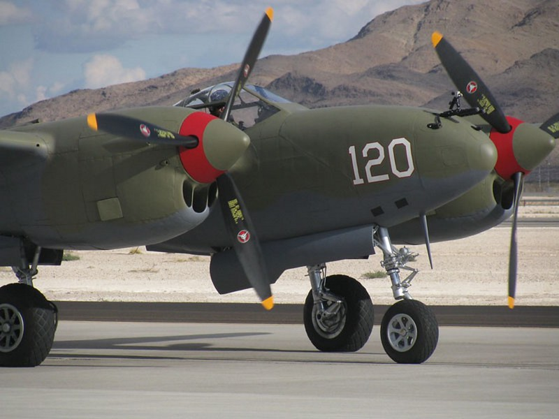 Lockheed P-38 Lightning 2