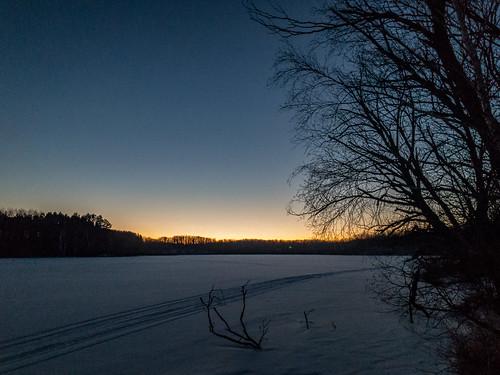 echolake halide minnesota mooselakestatepark frozen ios ice sunset winter mooselake unitedstates us