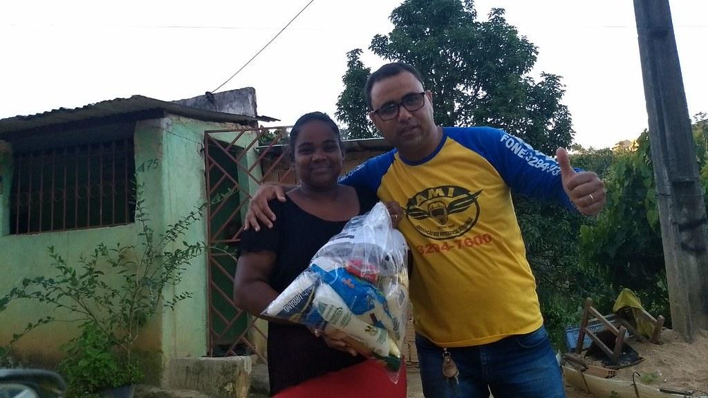 campanha de doação de alimentos dos motaxistas de itamaraju (17)