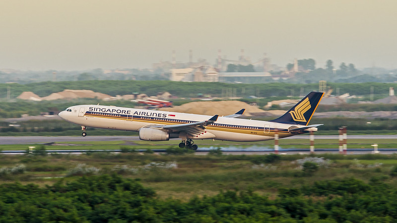 Singapore Airlines 9V-STZ Airbus A330-300