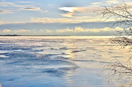 lakeontario winter seasons humberbayshorespark etobicoke toronto ontario canada sunrise dices01