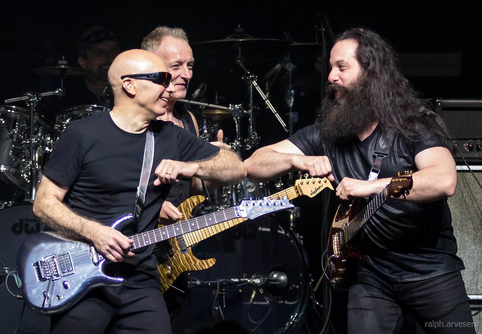 Joe Satriani | Texas Review | Ralph Arvesen