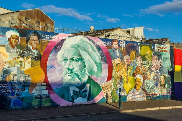 UK - Northern Ireland - Belfast - Falls Road - Independentist Mural