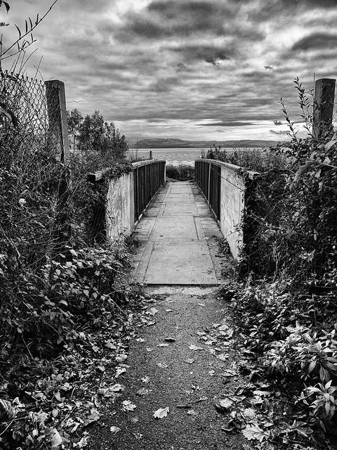 Crossing the bridge to Picnic Island (Dyfi estuary) ...
