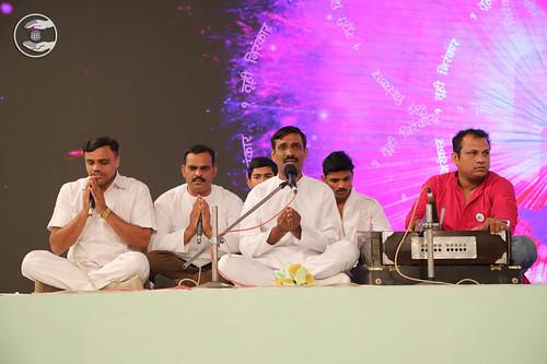 Marathi devotional song by Mahesh Pimprikar and Saathi from Satara