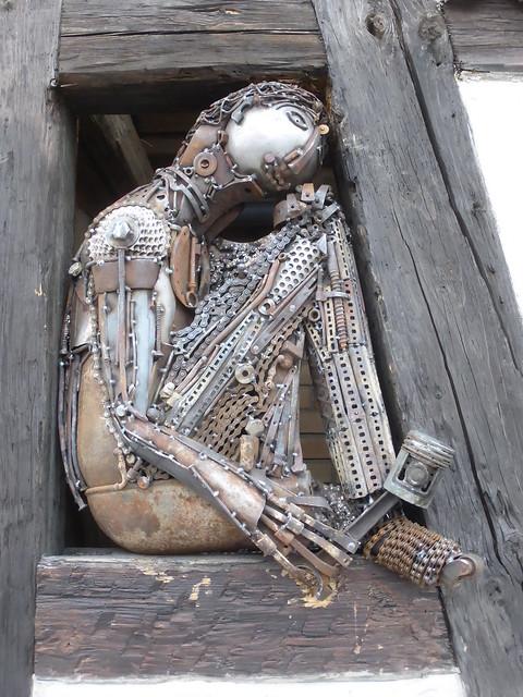 Schrott Kunst Figur
