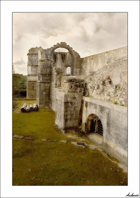 Entre ruinas y mazmorras