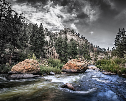 eleven 11 mile canyon park state colorado river stream valley green boulder black white rocky mountains
