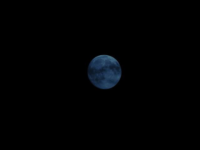 Wolken mit Mond 00,3