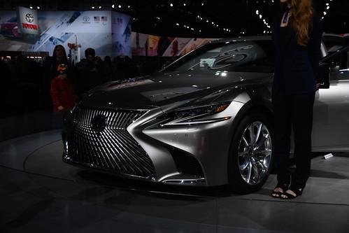 2019 Lexus LS Photo