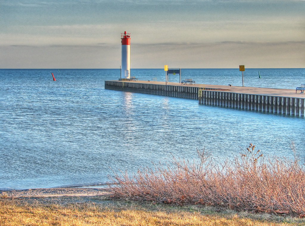 Whitby Harbour HDR [2] | »'Whitby Harbour HDR' On Black »Whi… | Flickr