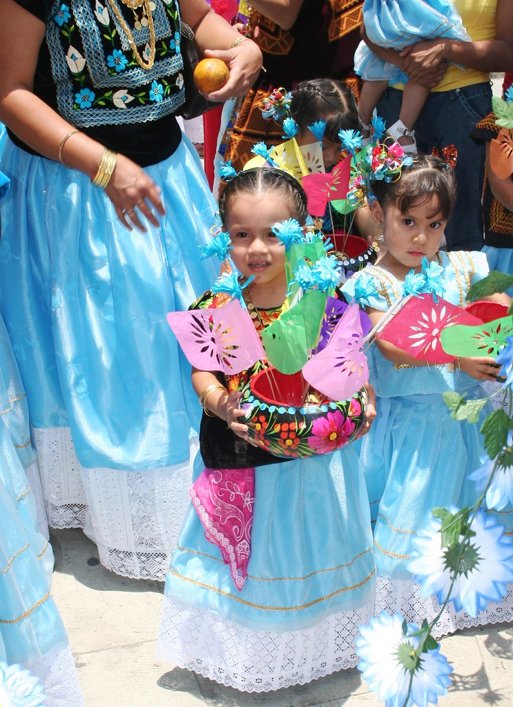 Niñas Con Vestido De Tehuana J Bf Flickr