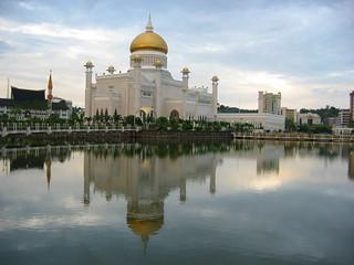 Omar Ali Saifuddin Mosque | by Robert Nyman